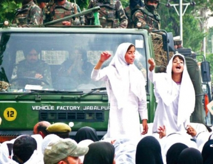 Shopian-kashmir-women-protest-rape-and-murder-azad-indian-occupation